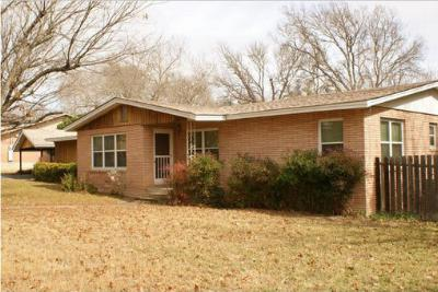 Single Family Home Sold: 521 Mockingbird Lane