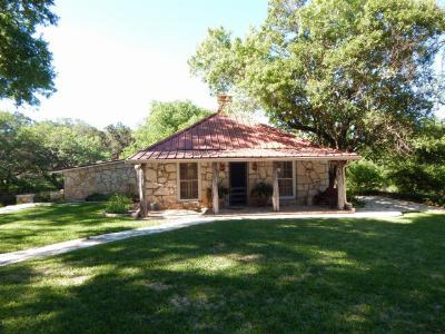 Hunt Single Family Home For Sale: 1882 Hwy 39