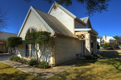 Hunt Single Family Home For Sale: 149 Hunt Loop