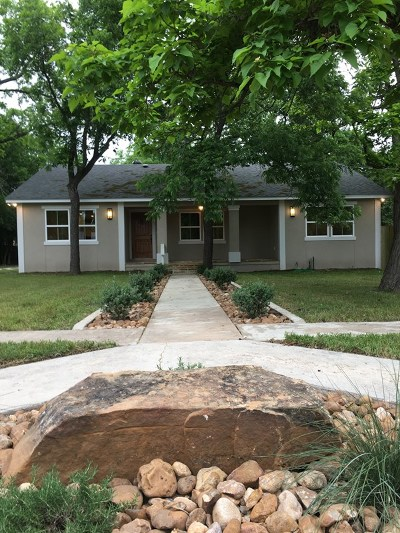 Kerrville Single Family Home For Sale: 421 Ross St