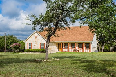 Kerrville Single Family Home For Sale: 834 Estates Dr