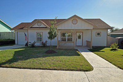 Kerrville Single Family Home For Sale: 140 Ivy Lane