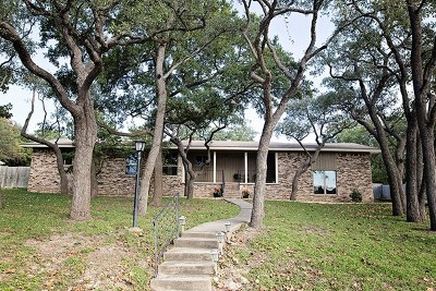 Kerrville Single Family Home For Sale: 521 Valley Dr