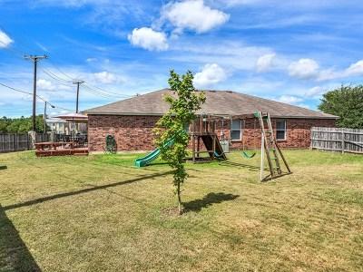 Boerne Single Family Home For Sale: 228 Latigo Ln