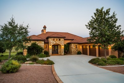 Kerrville Single Family Home For Sale: 3933 Oak Park Dr