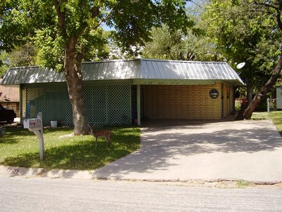 Kerrville Multi Family Home For Sale: 702 Arrow Lane