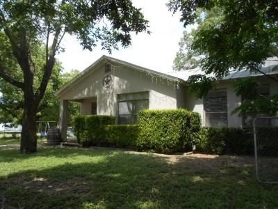 Kerrville Single Family Home For Sale: 722 Johnson Dr