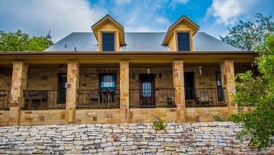 Single Family Home For Sale: 268 Lakepark Dr