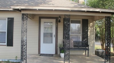 Single Family Home For Sale: 701 Gilmer St