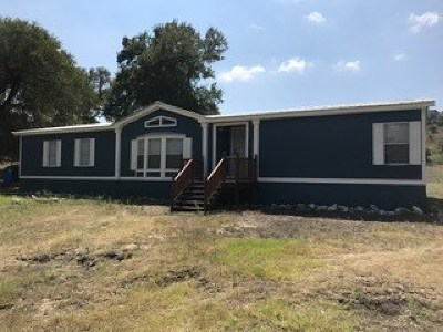Kerrville Single Family Home For Sale: 110 Kermit Rd