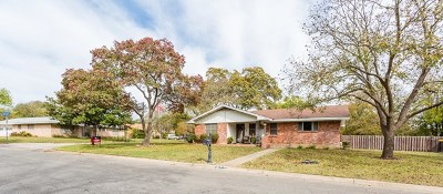 Kerrville Single Family Home For Sale: 810 Lake Dr