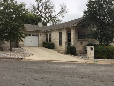 Kerrville Single Family Home For Sale: 241 Old Oaks Path
