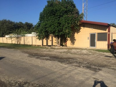 Single Family Home For Sale: 201 San Antonio St