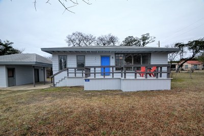 Ingram Single Family Home For Sale: 301 Woodland Dr.