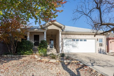 Kerrville Single Family Home For Sale: 234 Oak Hill Dr
