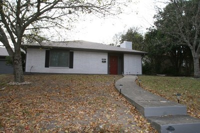 Kerrville Single Family Home For Sale: 711 Bluebonnet Dr