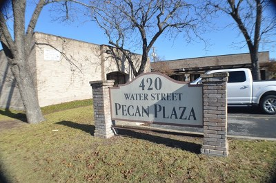 Gillespie County, Kerr County, Kimble County, Bandera County, Real County, Edwards County, Mason County, Uvalde County, Medina County, Kendall County Commercial For Sale: 420 Water St