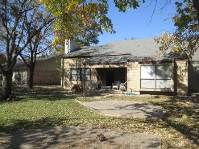 Single Family Home Sale Pending: 548 Sand Bend