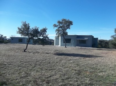 Kerrville Single Family Home For Sale: 196 Hoof Beat Trail
