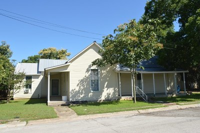 Kerrville Single Family Home For Sale: 500 Robinson Ave