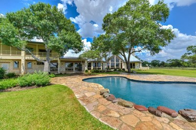 Boerne Single Family Home For Sale: 241 Seewald Rd