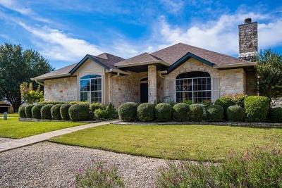 Kerrville Single Family Home For Sale: 215 Canyon Creek Lane