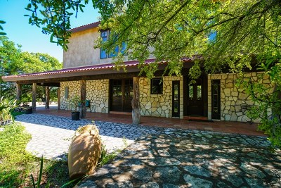 Kerrville Single Family Home For Sale: 114 Teddy Bear Trail