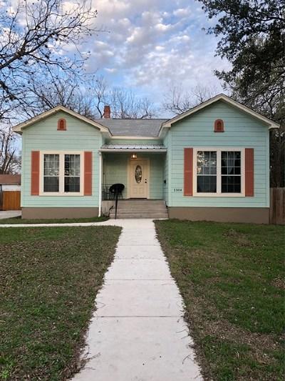 Kerrville Single Family Home For Sale: 1304 Park St
