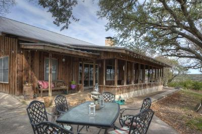 Kerrville Single Family Home For Sale: 631 Indian Lake