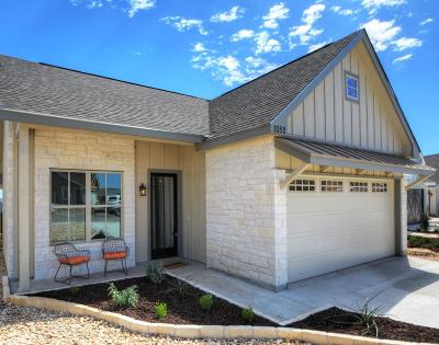 Kerrville Single Family Home For Sale: 1052 Creswell Ln