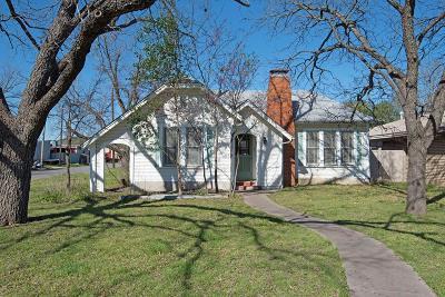 Kerrville Single Family Home For Sale: 1221 Park St