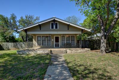 Kerrville Single Family Home For Sale: 821 Moore St