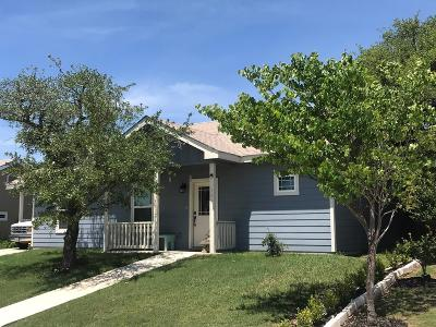Kerrville Single Family Home For Sale: 145 Ivy Lane