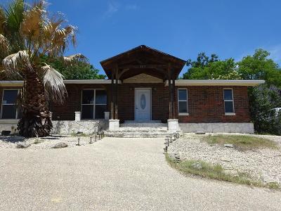 Kerrville Single Family Home For Sale: 107 Ranchero Rd