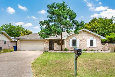 Kerrville Single Family Home For Sale: 127 Candice Dr
