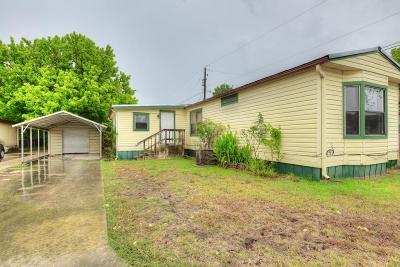 Kerrville Single Family Home For Sale: 106 Scarlet Dr