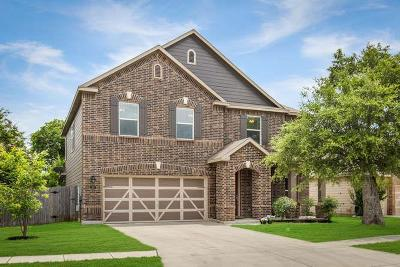 Boerne Single Family Home For Sale: 137 Lone Star