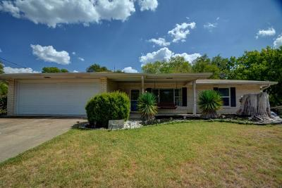 Kerrville Single Family Home For Sale: 1213 Donna Kay Dr
