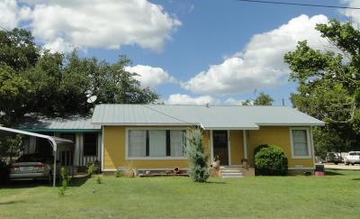 Harper Single Family Home For Sale: 204 Oak Avenue