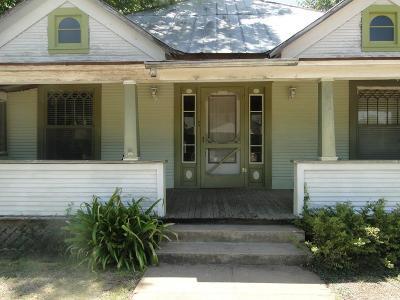 Harper Single Family Home For Sale: 137 Third St