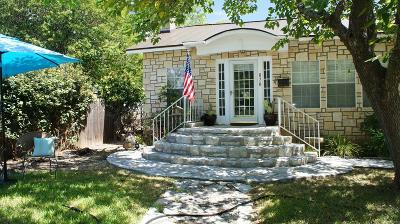 Kerrville Single Family Home For Sale: 820 Myrta St