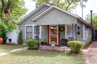 Kerrville Single Family Home For Sale: 217 Palmer St