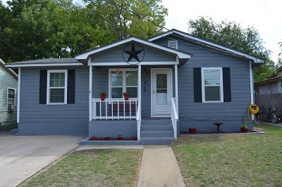 Kerrville Single Family Home For Sale: 412 Charles St