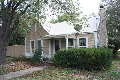 Kerrville Single Family Home For Sale: 1803 Main St