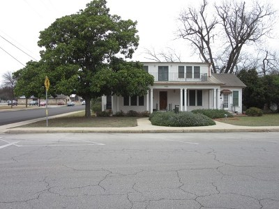 Kerrville Single Family Home For Sale: 902 Jefferson St