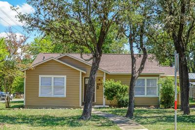 Kerrville Single Family Home For Sale: 857 Tivy St