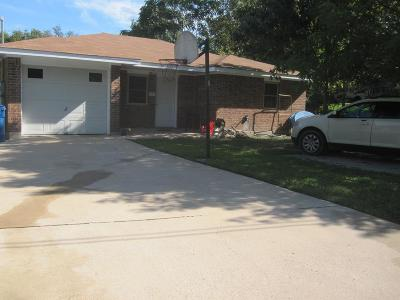 Kerrville Single Family Home For Sale: 1603 Newton St