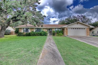 Kerrville Single Family Home For Sale: 107 Sherwood Lane