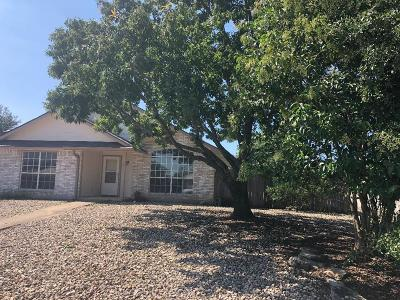 Gillespie County, Kerr County, Kimble County, Bandera County, Real County, Edwards County, Mason County, Uvalde County, Medina County, Kendall County Single Family Home For Sale: 2210 Olympia Dr
