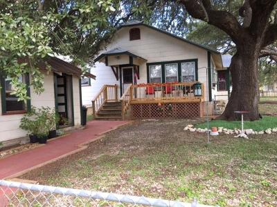 Gillespie County, Kerr County, Kimble County, Bandera County, Real County, Edwards County, Mason County, Uvalde County, Medina County, Kendall County Single Family Home For Sale: 23781 Hwy 290